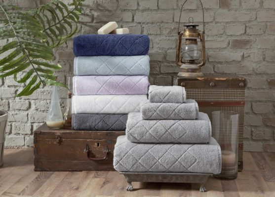 Gracious Turkish Towels - What is the difference between bath sheet vs bath towel ?