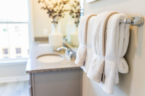 how to fold towels decoratively