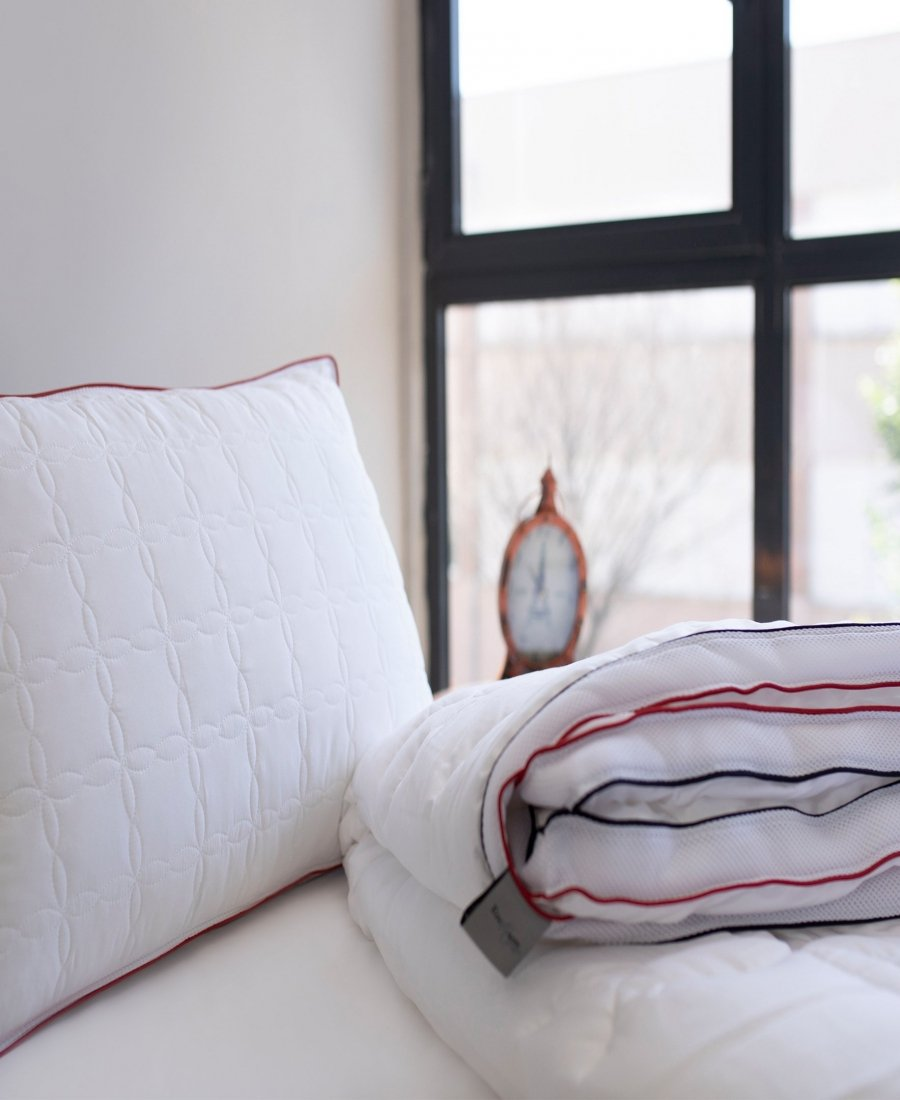 Enchante Home Down Alternative Climate Comforter